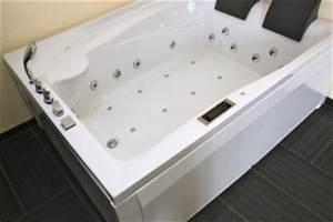 Whirlpool Badewanne Kaufen : whirlpool badewanne 2 personen eckwanne a612 hz im vergleich ~ Watch28wear.com Haus und Dekorationen