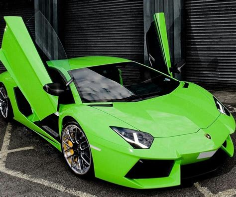 Emerald, Lime & All Things Green
