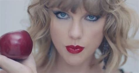 Taylor Swift Goes Full-On Crazy For Her