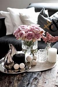 Deko Für Wohnzimmertisch : coffee table decoration romantic cool zukkerm dchen ~ Frokenaadalensverden.com Haus und Dekorationen