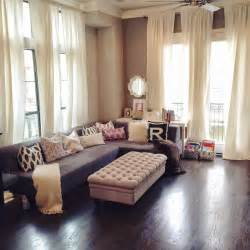 Modern Curtains For Small Living Room by 1000 Ideas About Living Room Curtains On
