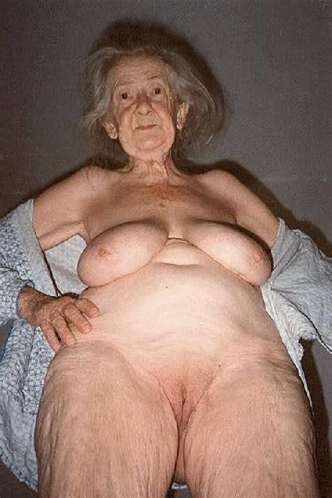 Very Old Amateur Granny With Big Saggy Tits Porno Bilder