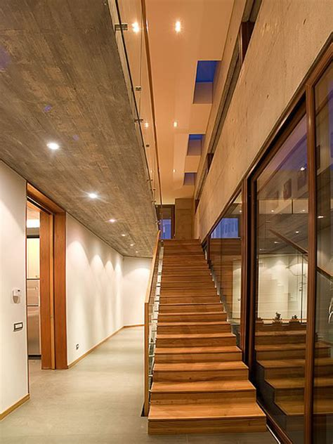 shaped house  glass  floor  concrete upper