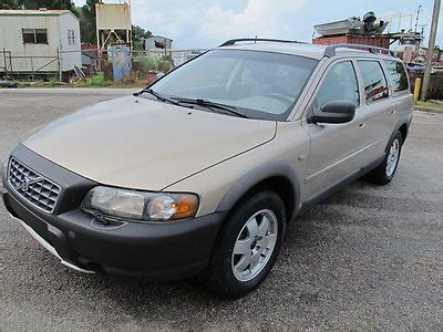 find   reserve  volvo xc cross country awd