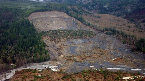 scientists trot  dueling analyses  deadly landslide