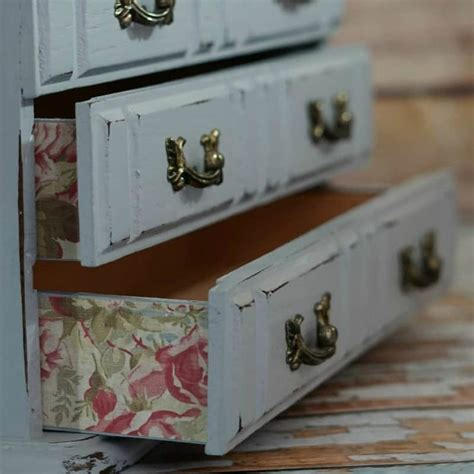 ultimate guide  diy jewelry box makeovers duct