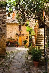Mediterrane Gärten Bilder : posters affiches de ruelle toscane posterlounge ~ Orissabook.com Haus und Dekorationen