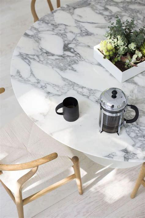 marmor polieren hausmittel marmor reinigen pflegen tisch platte klassisch haushalt household