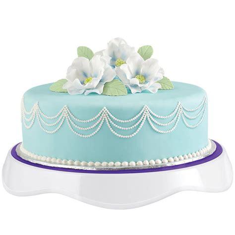 breathtaking floral crowned fondant cake wilton