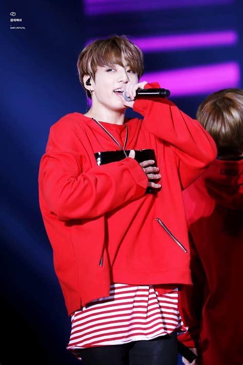 to sweater danger wingstourinseoul 2017 jungkook concert jungkook bts
