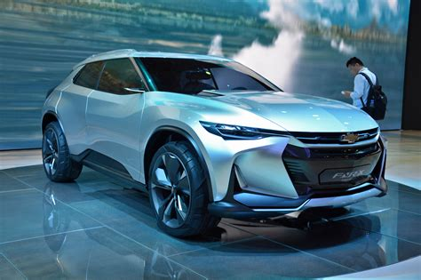 chevrolet fnr  plug  hybrid crossover concept debuts