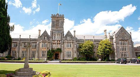 Internate England Kunst  Queens College