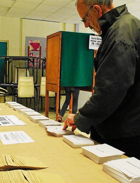 bureau de vote 14 j 39 ai changé d 39 avis au dernier moment brieuc