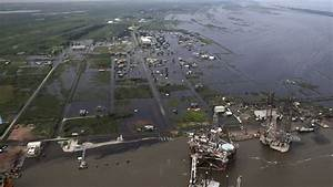 Flooded petrochemical plants are threatening Houston's air ...