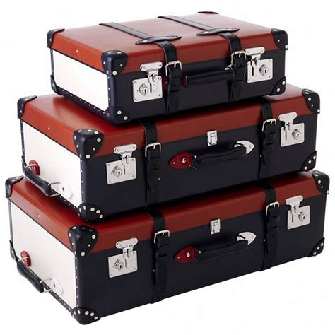 Old Style Travel Luggage Set By Brittish Brand Globe
