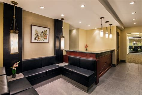 executive office suites offer temporary office spaces