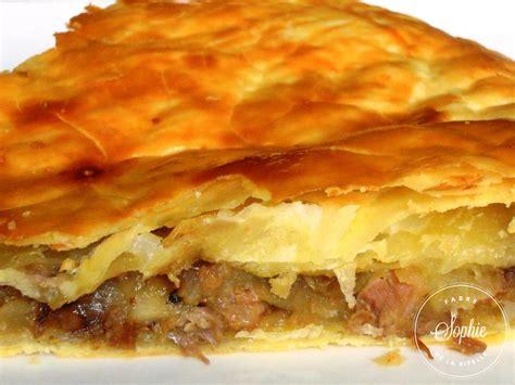 cuisiner cuisses de canard tourte au canard confit et aux pommes la tendresse en