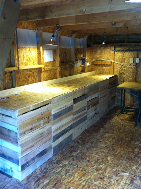 Ideas Using Pallets by Farmstand Using Pallet Wood Farm Diy Projects In 2019