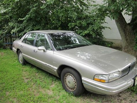 New Buick Park Ave by Buy Used 1996 Buick Park Ave In Riverton New Jersey