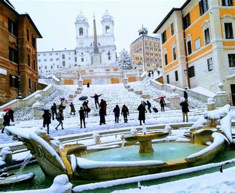 consolato messico roma roma in ginocchio per una nevicata il sindaco raggi 232 in