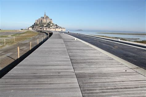 mont michel access bridge