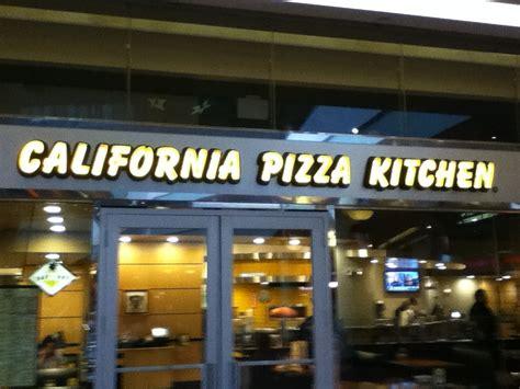 california pizza kitchen dress code