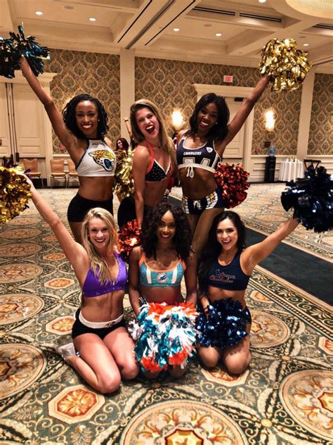 pro bowl cheerleader   social media part