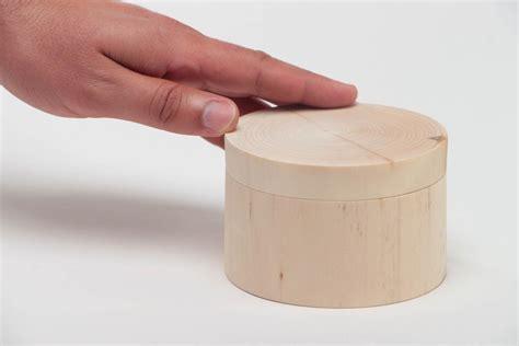 boite en ronde a decorer madeheart gt bo 238 te ronde en bois brut faite 224 decorer ou 224 peindre soi m 234 me