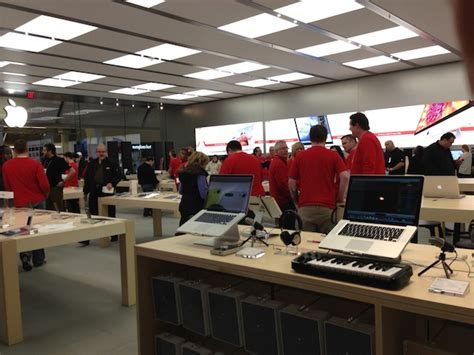 Garden State Plaza Mac Store by Apple Store Reopening Garden State Plaza Nj