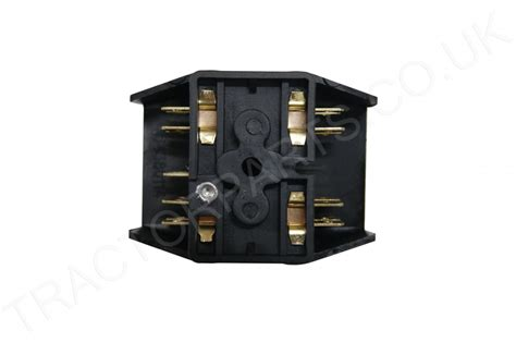 International Tractor Fuse Box by International Fuse Box 74 Series Two Way 3113098r1 354