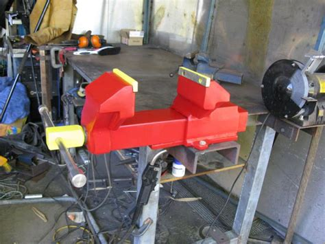 largest bench style vise