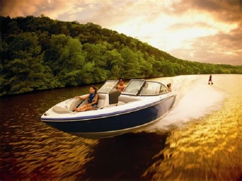 7 Important Boating Safety Tips To Help Keep You Safe On