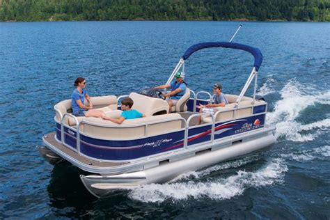 Tracker Pontoon Boats by Check Out These Sun Tracker Pontoon Boat Reviews