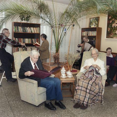 Uzņemšana un pakalpojumi - Rūjienas senioru māja