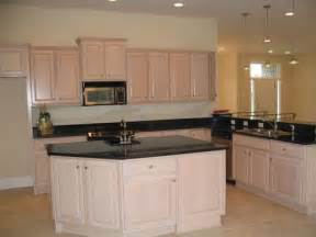 pickled oak cabinets has me in a pickle over wall color