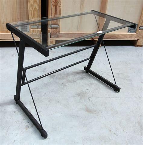 bureau acier et verre petit bureau en acier laque noir et plateau en verre