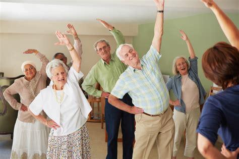 como funcionam  creches  idosos