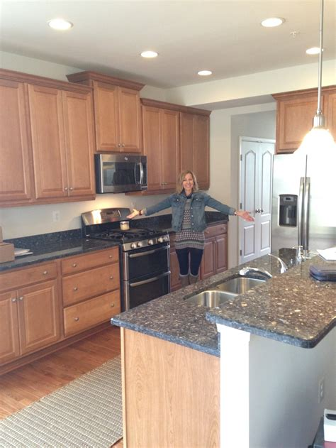 how much to paint kitchen cabinets how much does it cost to paint kitchen cabinets ceilings 8474