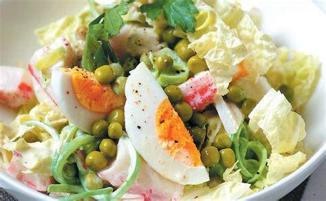 Ķīnas kāposta salāti ar krabju nūjiņām — Santa