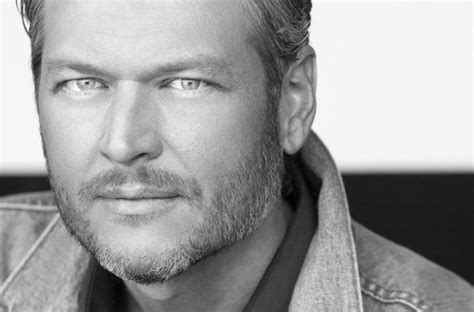blake shelton dog blake shelton unveils quot i ll name the dogs quot drops music video