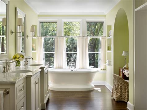 bathroom window curtains for a royal and luxurious look