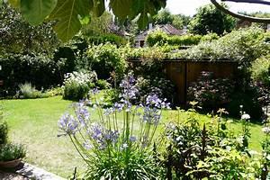 les secrets pour un jardin anglais With affiche chambre bébé avec parterres de fleurs vivaces