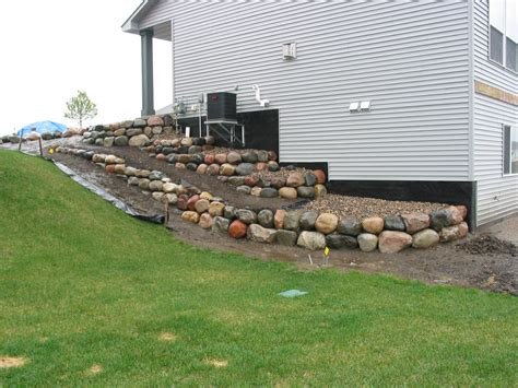 boulder retaining wall construction retaining boulder wall pictures