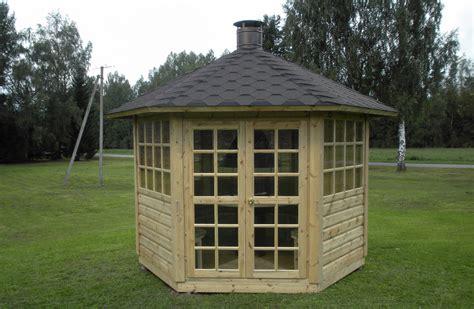 gartenhaus günstig polen gartenpavillon gartenhaus mit grill und schornstein aus holz