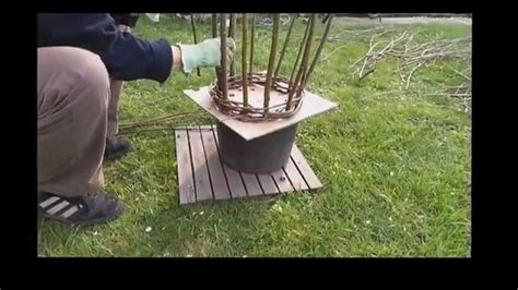 tauftorte mädchen selber machen rankhilfen aus weidenruten selber machen kreative st 252 tze f 252 r pflanzen aus naturmaterialien
