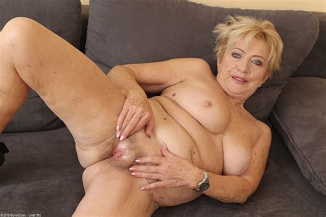 Archive Of Old Women Maya Old Granny Naked At Work