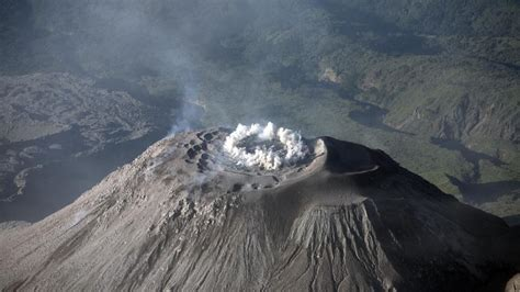what is a composite cone volcano reference com