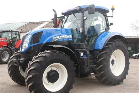 new t7 200 range command year of manufacture 2015 tractors id 77d1690e mascus uk