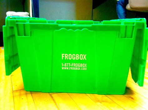 Very Green Tuesday With Vine And Frogbox