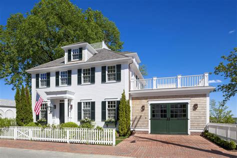 Marthas Vineyard Home Style by Family Home With New Colonial Architecture On